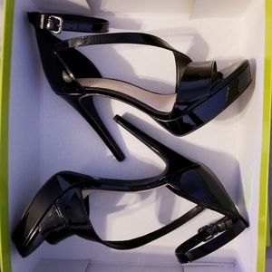 NWT Gianni Bini Merandeth pumps 8.5